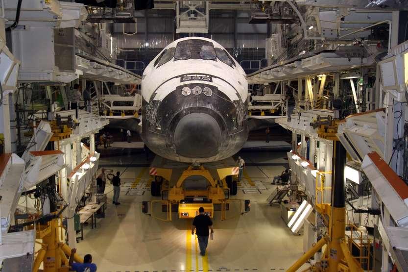 Industria difesa - photo credit: NASA/Jack Pfaller