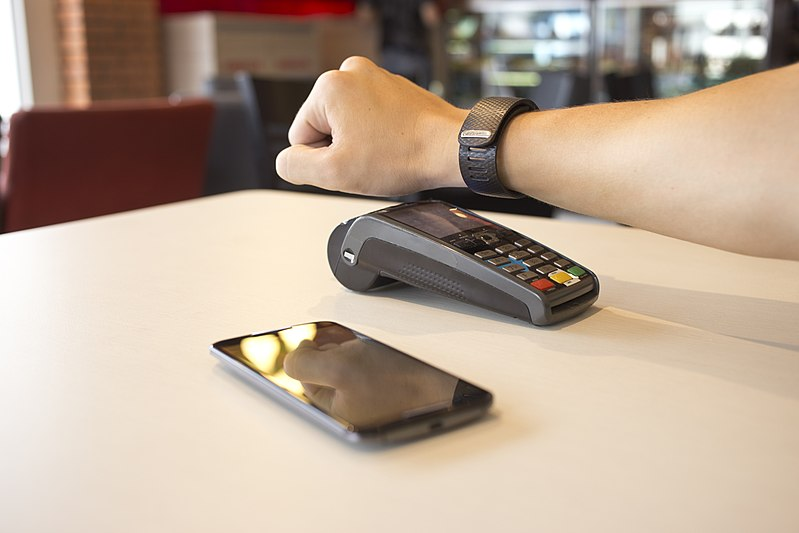 Google Pay - Photo credit: Mikeallanpellin