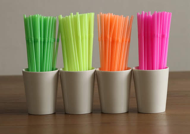 Direttiva plastica monouso - Foto di Marjon Besteman-Horn da Pixabay