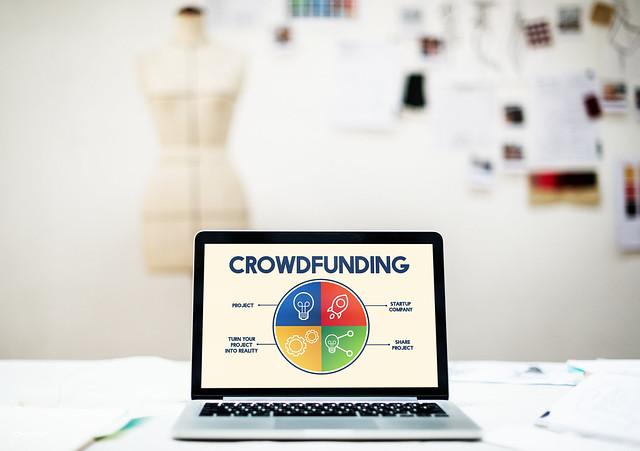 Crowdfunding - Photo credit: Rawpixel Ltd