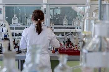 Produzione vaccini Covid in Italia