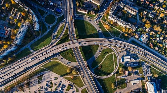 Just Transition Mechanism - Foto di Aleksejs Bergmanis da Pexels