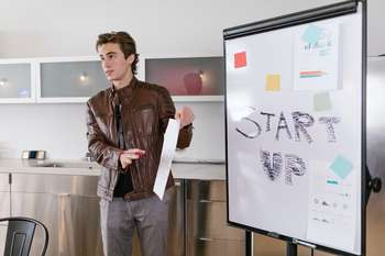 Guida UE finanziamenti startup sociale - Foto di RODNAE Productions da Pexels